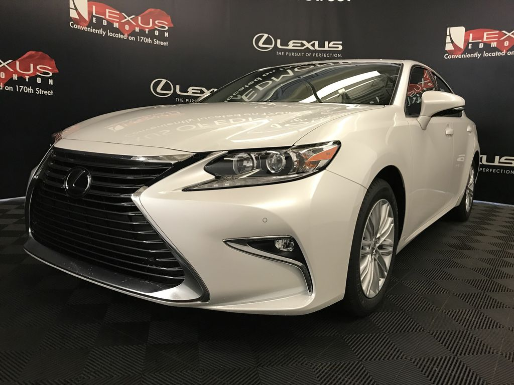 Pre Owned 2018 Lexus ES 350 DEMO UNIT STANDARD PACKAGE 4